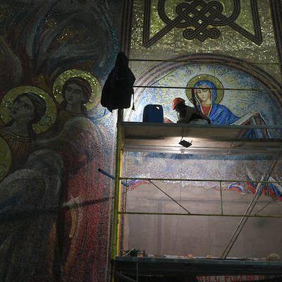 Kulturkampf : La mosaïque représentant le Président Vladimir Poutine a été démontée .