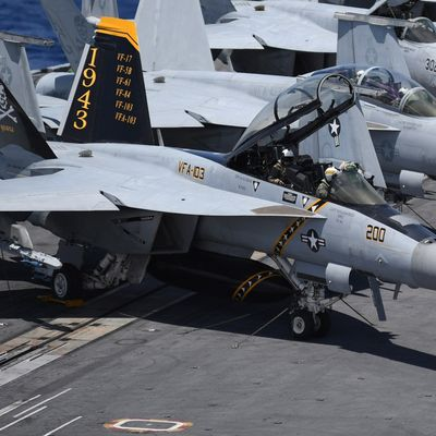 """Boeing F/A-18F """"Super Hornet"""" - VFA-103 """"Jolly Rogers"""" - 75th anniversary"""