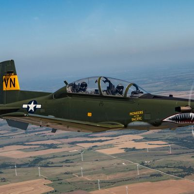"""Raython T-6A """"Texan II"""" - 71th Flying Training Wing (71FTW) - 33th Flying Training Squadron (33FTS) - Special marking """"Pioneers of the Pacific""""  celebrates Consolidated B-24 Liberator sheme of 33rd Bombardment Squadron """"The Red Raiders"""" in Pacific war"""