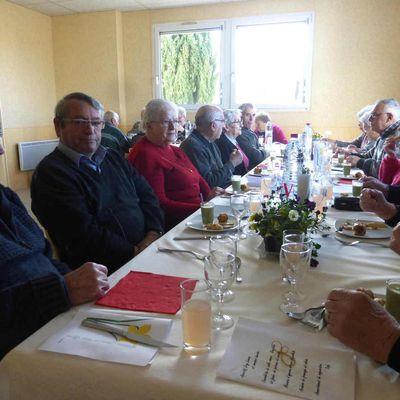 Moment de convivialité au Cercle des Amis de Saint-Christophe-sur-le-Nais