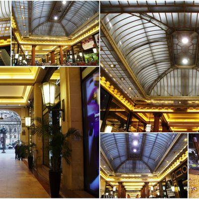 Les Arcades des Champs-Elysées ou les Arcades du Lido à Paris VIIIème