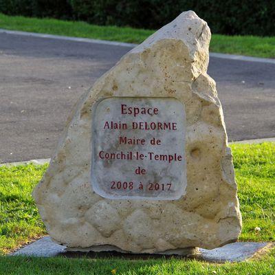 Stèle à Conchil-le-Temple