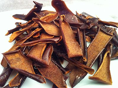 Ne jetez plus les épluchures de pommes faites des chips