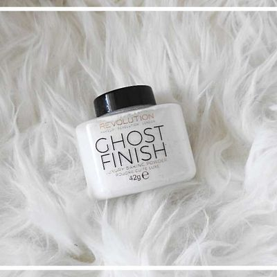 "Poudre matifiante "" Luxury Ghost Finish ""de chez Makeup Revolution"