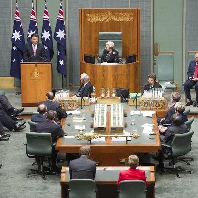 A la Une: La police diligente une enquête suite à une bagarre au Parlement australien