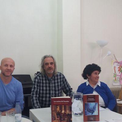 Acto literario en Valencia.- Tres autores. Tres títulos