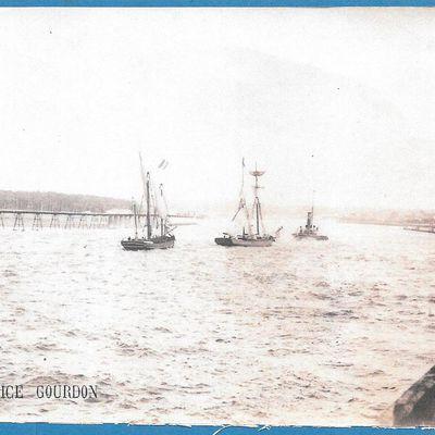 L'embouchure de l'Adour. Une superbe carte postale de 1895.