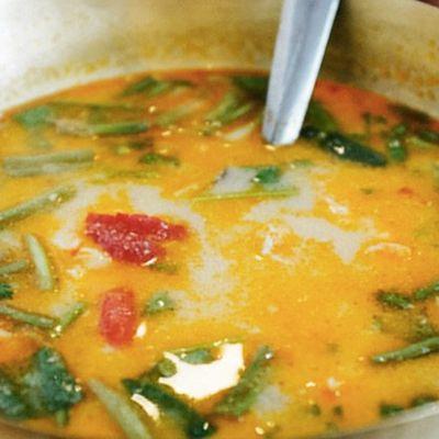Cette recette de soupe ancienne au gingembre et à l'ail combat la grippe, le rhume, les excès de mucus et les sinus