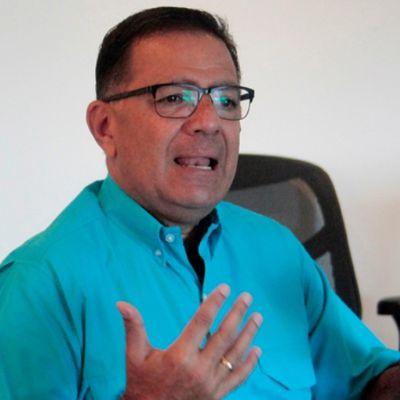 EL PEZ MUERE POR LA BOCA: JUAN CARLOS FERNANDEZ CANDIDATO DE UNT