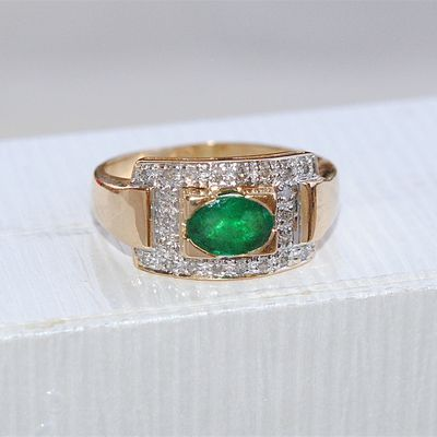 Très belle - RARE - Bague OR 18K - Emeraude et Diamants // Or 18 carats - 750/1000   REF / AA 992