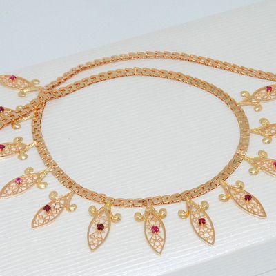 Collier Ras du cou / breloques / Or Jaune 18 K / 750/1000 / Joaillerie femme 18 carats    REF / AA 1062