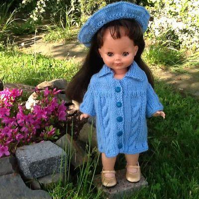 Manteau torsadé pour poupée