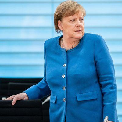Allemagne - Coronavirus : Angela Merkel,  se met en quarantaine après avoir été en contact avec un médecin testé positif