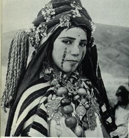 Les tatouages berbères- The Berber tattoos