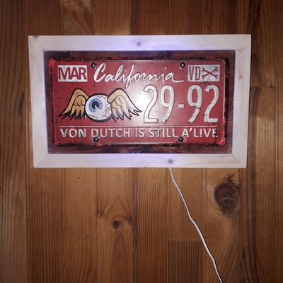 Lampe Led avec plaque immatriculation VON DUTCH