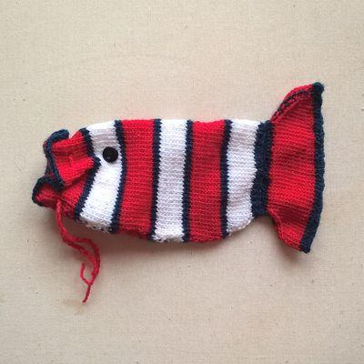housse de téléphone poisson au tricot