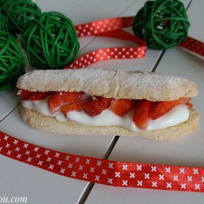 Biscuits cuillers façon éclairs aux fraises