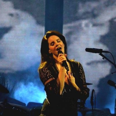 Lana Del Rey en live au Talking Stick Resort Arena de Phoenix, en Arizona (13/02/2018)