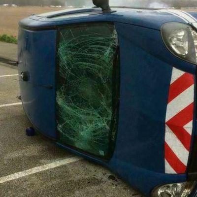 Manifestation sur le pont de Normandie : des chasseurs renversent une voiture de gendarmerie