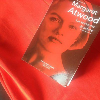 Margaret Atwood (né en 1939) -écrivaine/  La Servante écarlate