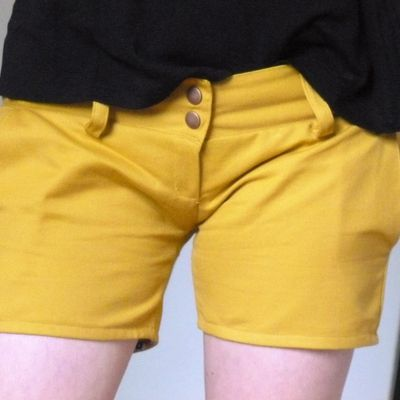Short taille basse Yellow