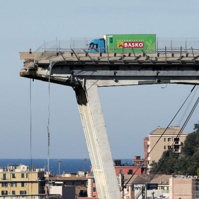 Why Italian bridges fall