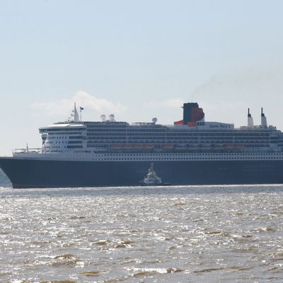 ARRIVEE DU QUEEN MARY 2