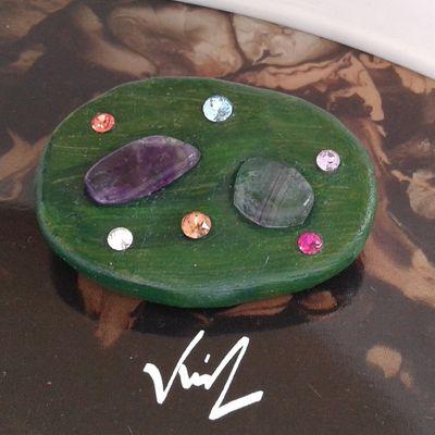 Broche amethyste fluorite,cristal swarovski,fermoir epingle,creation originale signee,fait mains en france,argile polymère,bijou boho bobo,vert rose violet bleu,gothique vintage retro,baroque victorien edouardien,art deco art nouveau