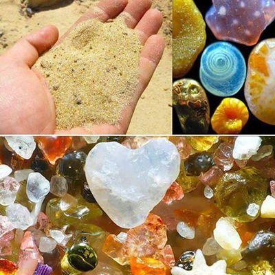 (Minéraux) Des grains de sable vus au microscope.