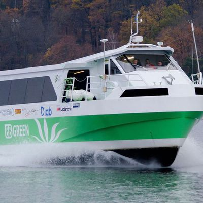 A Volvo Penta Hybrid Propulsion System Awarded in the Netherlands