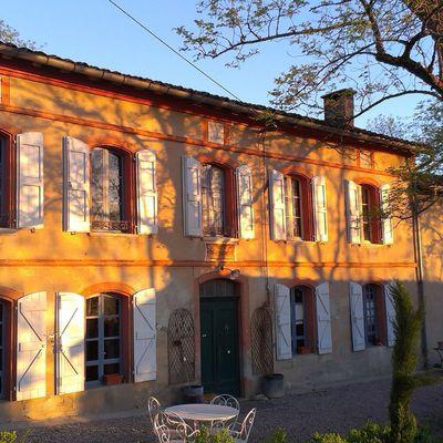 """Location maison de charme """" Esprit Campagne """" LES CLOTS DE PUYCHEVAL"""