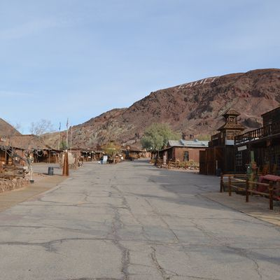 Calico - Bagdad Cafe - Red Rock Canyon State Park