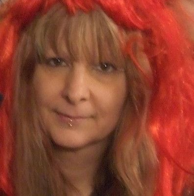 SAM DE BEAUREGARD   ---   ( ANNIE LYDIE FROUARD  )   coiffure Cosplay.