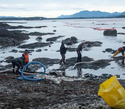 CANADA - Vancouver - B.C. oil spill shows what can go wrong under difficult conditions