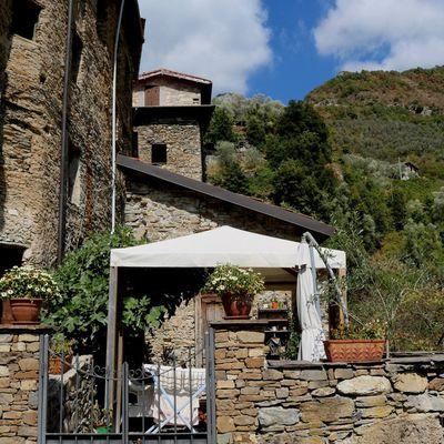 Buggio, Frazione di Pigna (IM), Alta Val Nervia - Via Forno