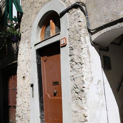 Dolceacqua (IM) - Via Dante Alighieri