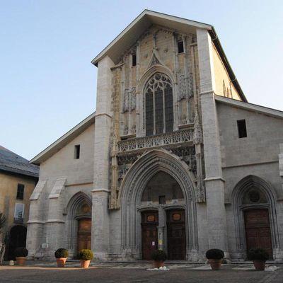 Les églises civiques en Savoie, une expression du pouvoir communal.