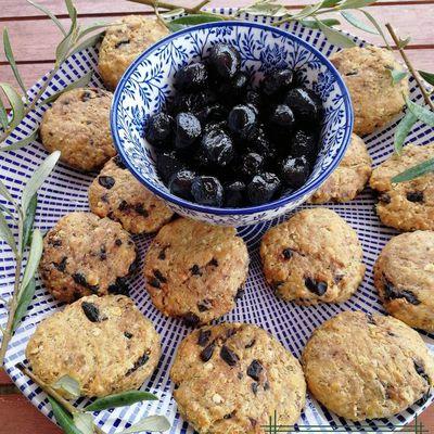cookies au quinoa, flocons d'avoine, olives et parmesan (cookies apéritif)