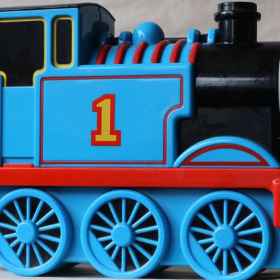 JO904 - Thomas & friends - valisette transport - 8€