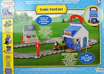 JO906 - Thomas & friends - Train yard - 13€