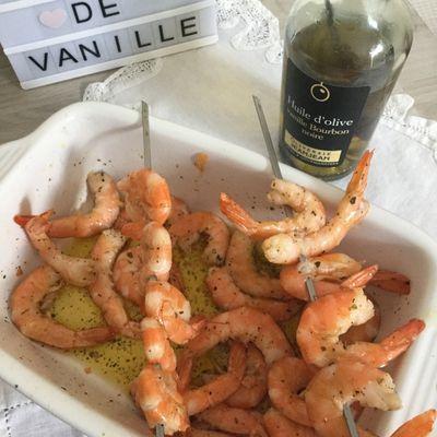 Brochettes de crevettes marinade a l huile d'olive a la vanille et cuite au barbecue weber pulse 1000