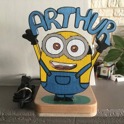 Lampe minion en chantournage