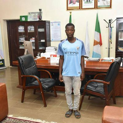 Young man summons courage as he storms Government House. See what happened next