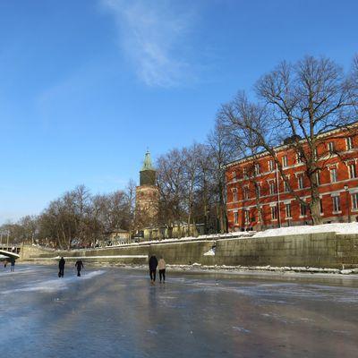 Helsinki et Turku gelé en mars-avril