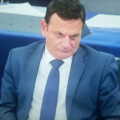 Il-passat m'għandux ikun il-mera tal-futur