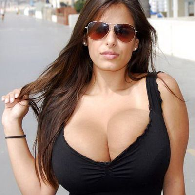 09958560360 Escorts Service near Vivanta by Taj – Ambassador, New Delhi Delicious Call Girls for Vivanta Hotel New Delhi,