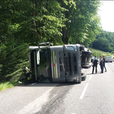 RD 125 : accident de camion à Burgalays, déviation mise en place