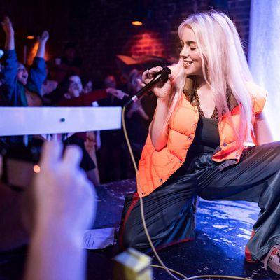Billie Eilish - Düstere Musik und innovative Videoclips