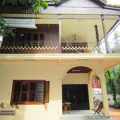 USD 1,200 / month ( TTP: Khmer Wood House 4 bedrooms / 2 bedrooms for rent )