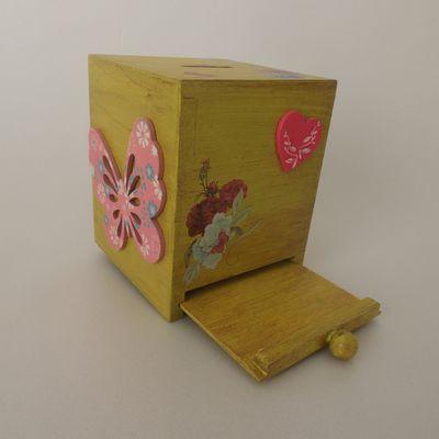 Tirelire en bois carrée, à tiroir
